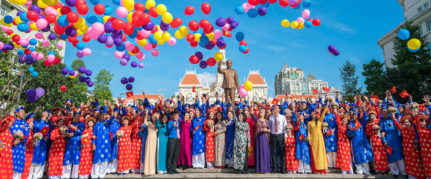 Colorful Ho Chi Minh CityWelcome to Ho Chi Minh City - A City of History & Future